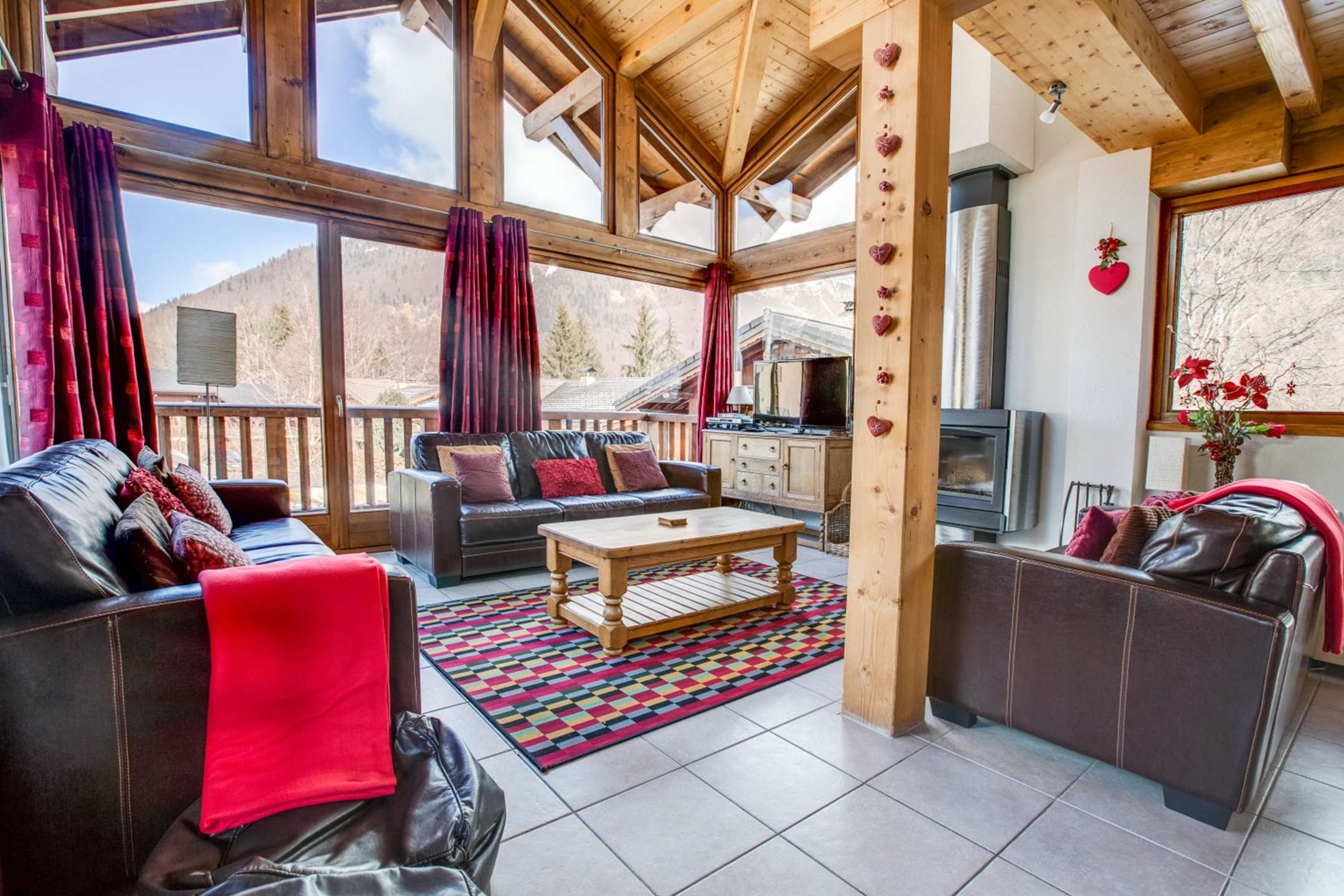 Spacious chalet for 17 persons